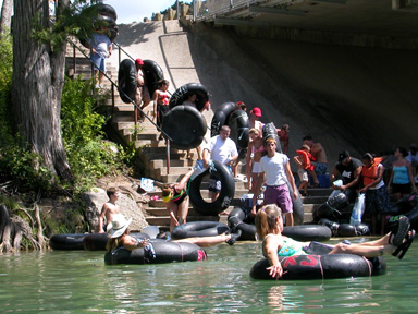 Wonderful Easy River Entry, Just Plop Right In! Guadalupe River Tubing,  RiverSportsTubes.com